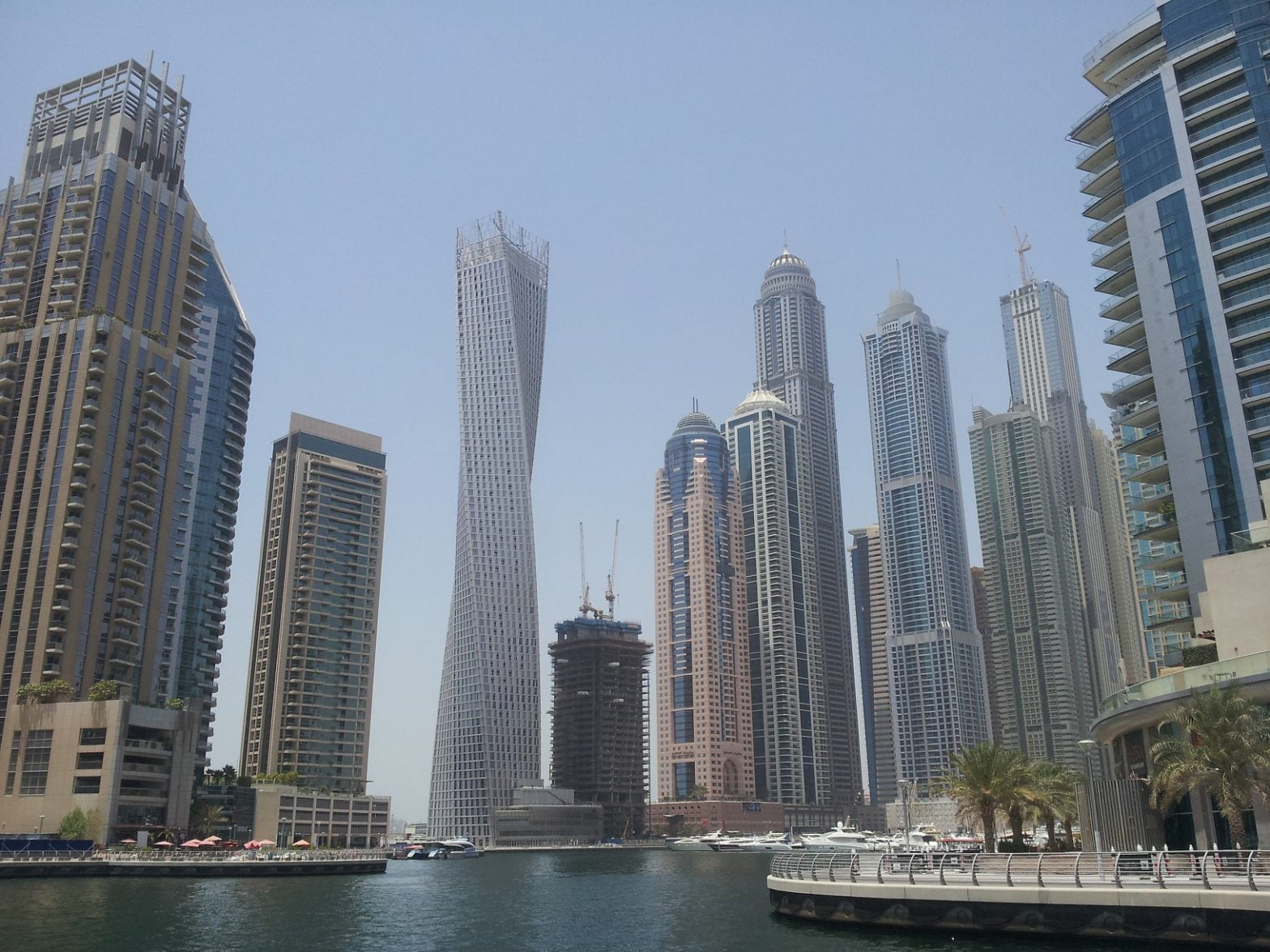 travel-to-dubai-glimpses-of-the-world