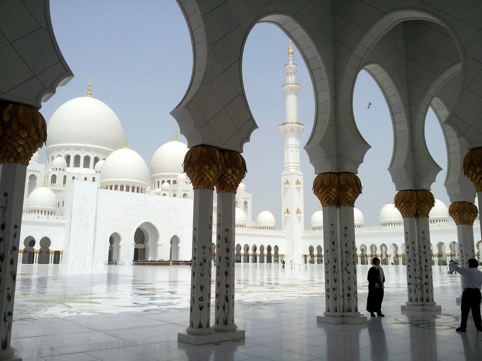 abu-dhabi-dubai-travel-glimpses-of-the-world