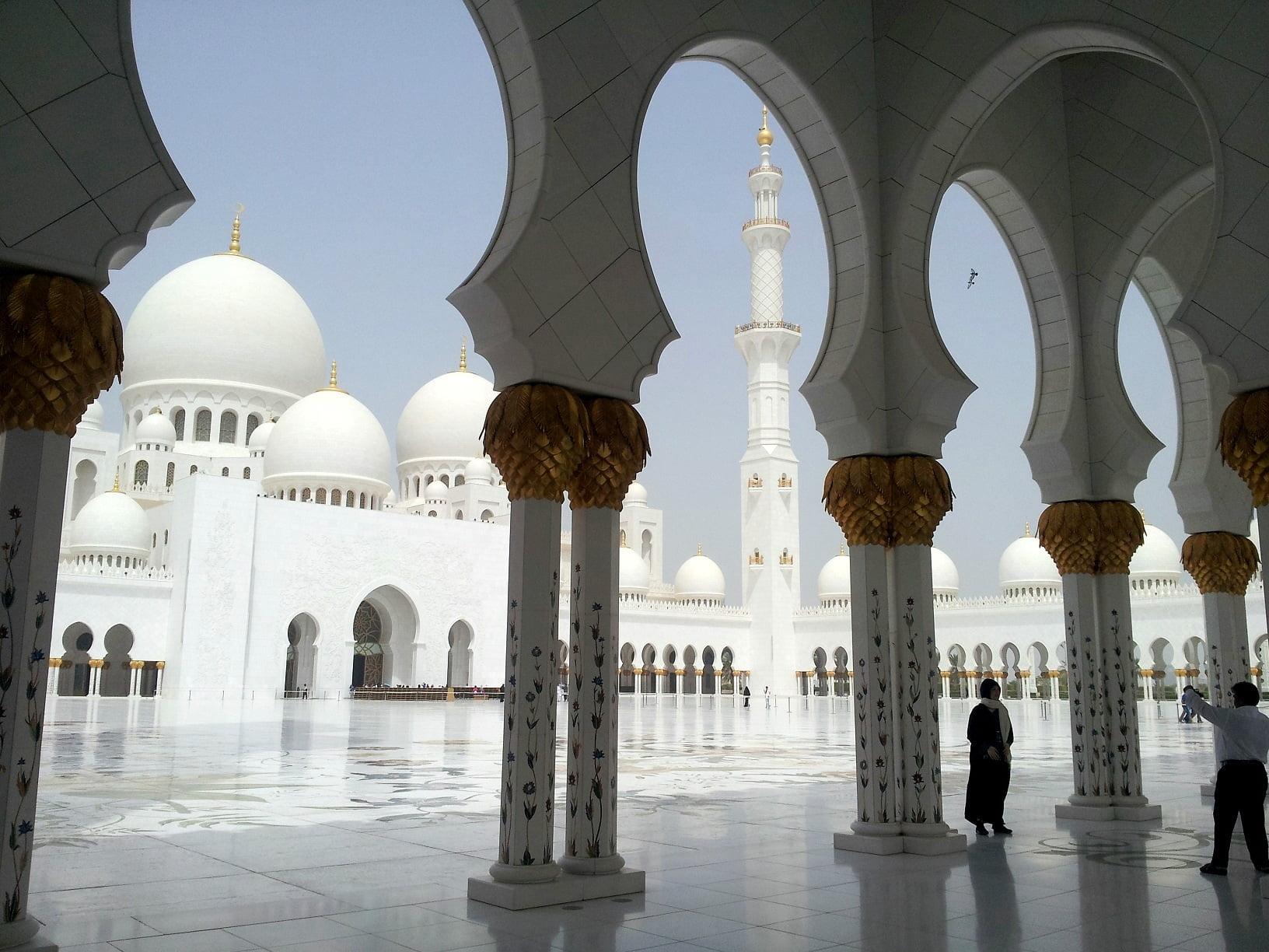 abu-dhabi-dubai-travel-glimpses-of-the-world