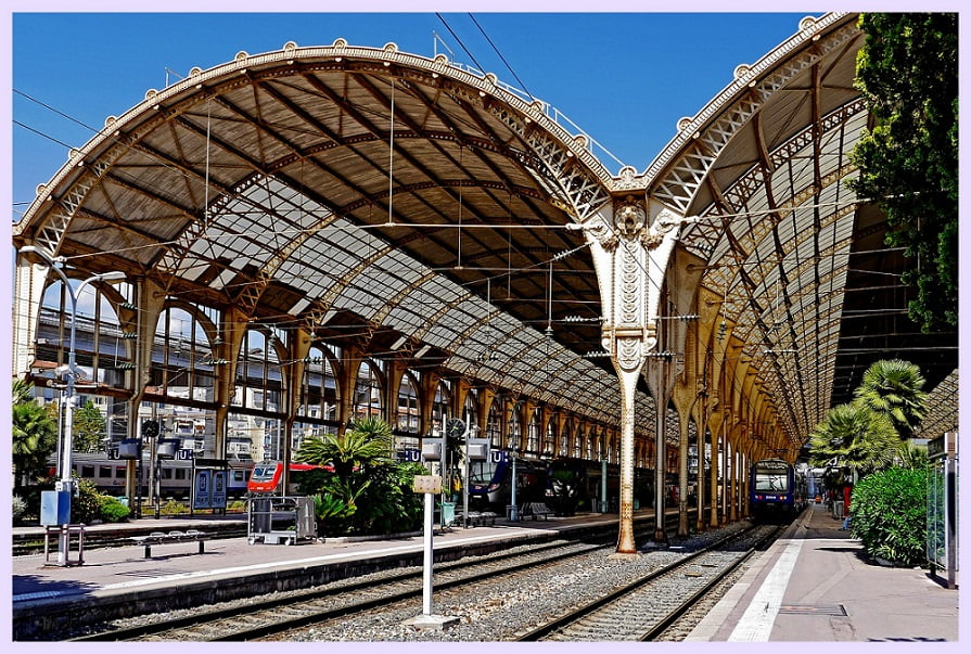 France-travel-French-Riviera-small-towns-summer-vacation-Glimpses-of-The-World