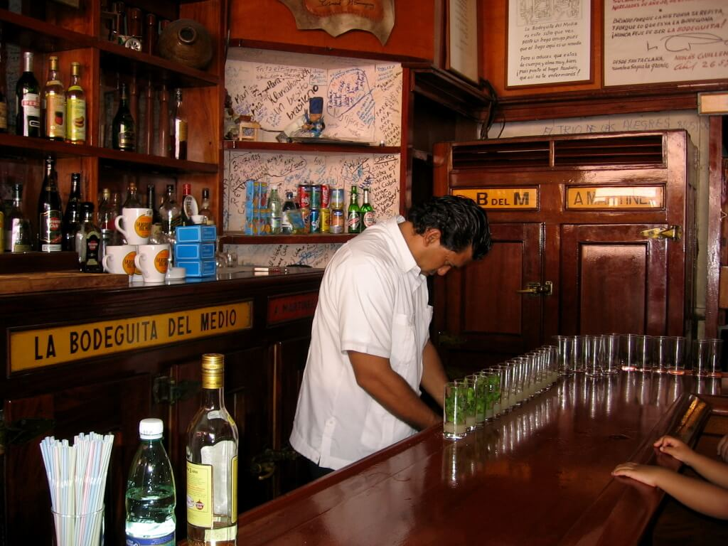 Cuba-travel-rum-cocktails-Havana-Glimpses-of-The-World