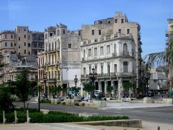 Entering Paseo del Prado, Glimpses of The World