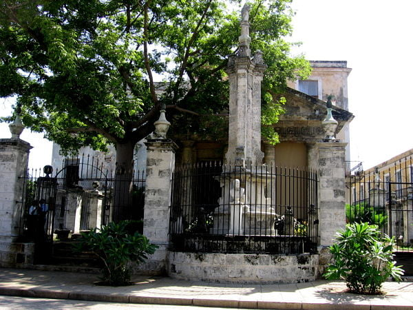 The building known as El Templete, Glimpses of The World_opt
