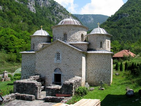 Serbia-travel-Davidovica-Monastery-Glimpses-of-The-World