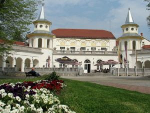 Serbia-travel-Loznica-Banja-Koviljaca-Glimpses-of-the-World