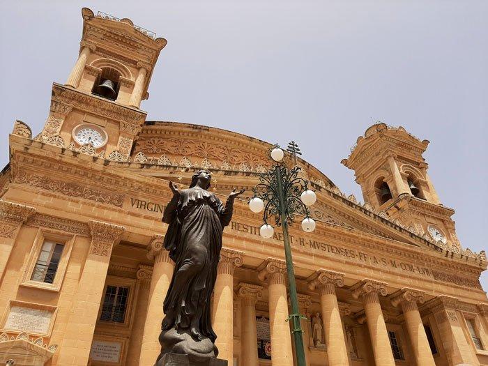 Malta-travel-Mosta-Glimpses-of-the-World
